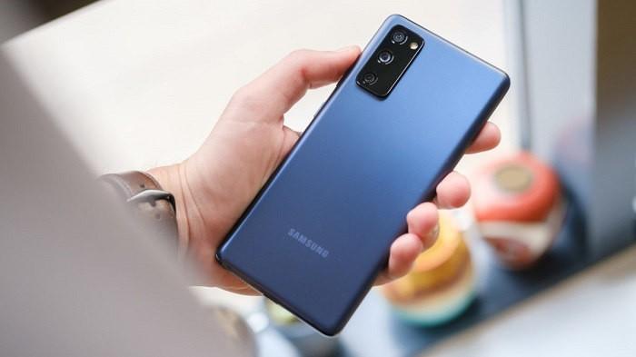 گوشی Samsung Galaxy S20 FE دو سیم کارت ظرفیت 6/128 گیگابایت